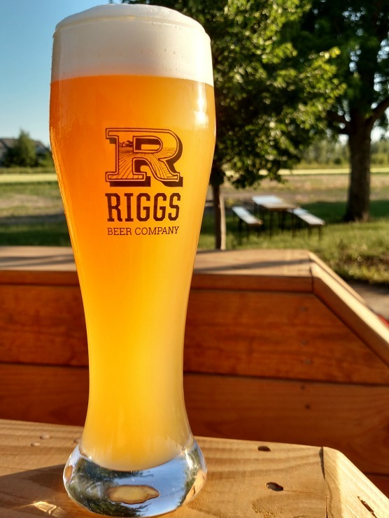 Riggs Hefeweizen beer Label Full Size