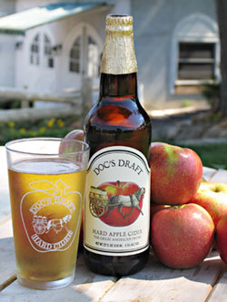Warwick Valley Doc's Draft Cider beer Label Full Size